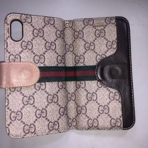 Gucci iPhone 10 wallet case